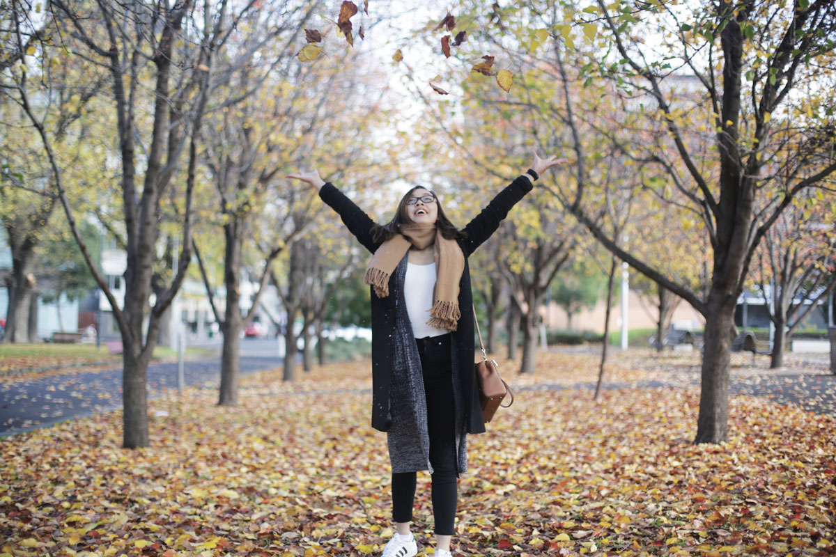 Leonie throws leaves in Melbourne!